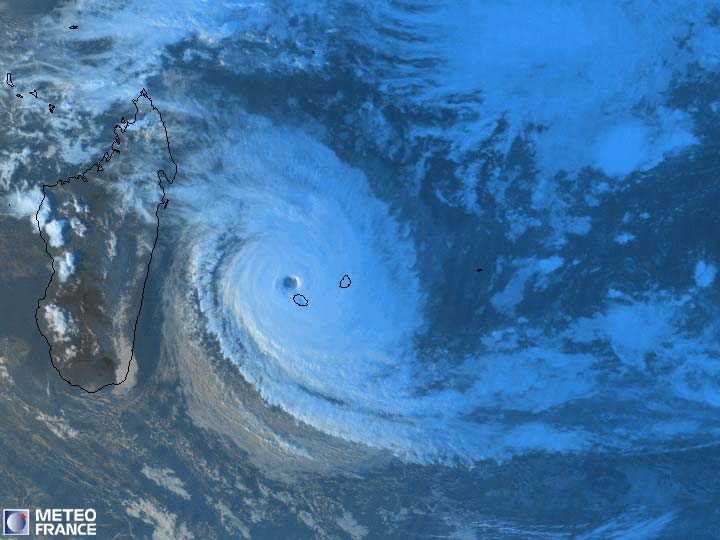 Cyclone Tropical Intense Dina en Janvier 2002