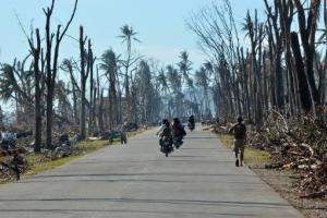 Le Typhon UTOR frappe durement les Philippines (el watan)